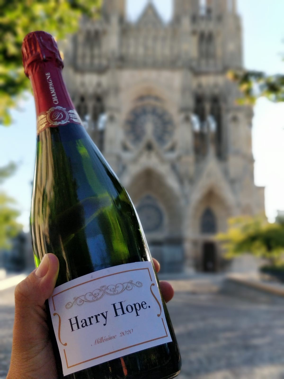 Harry Hope. s'installe à Reims !